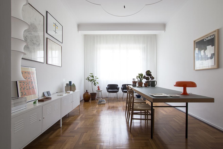 Kickoffice interiors designer architect casaa livingroom table armchair cassina leggera artemide nesso falkland danese munari