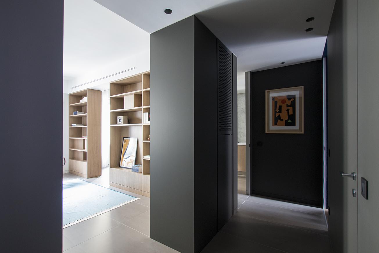 Kickoffice interiors designer architect casadf corridor grey maxhuber viabizzuno