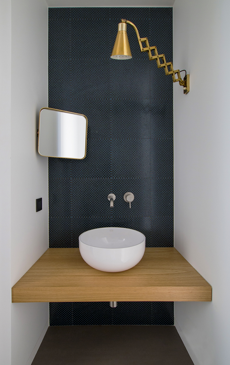 Kickoffice interiors designer architect casadf bathroom sink gessi oak madeamano mirror lamp brass