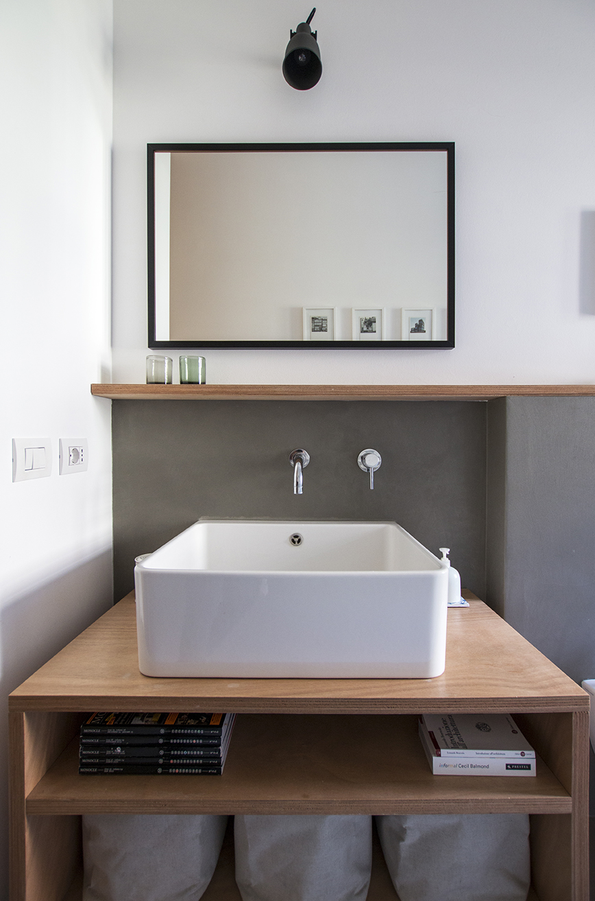 Kickoffice interiors designer architect casaa bathroom epoxy grey sink wood mirror