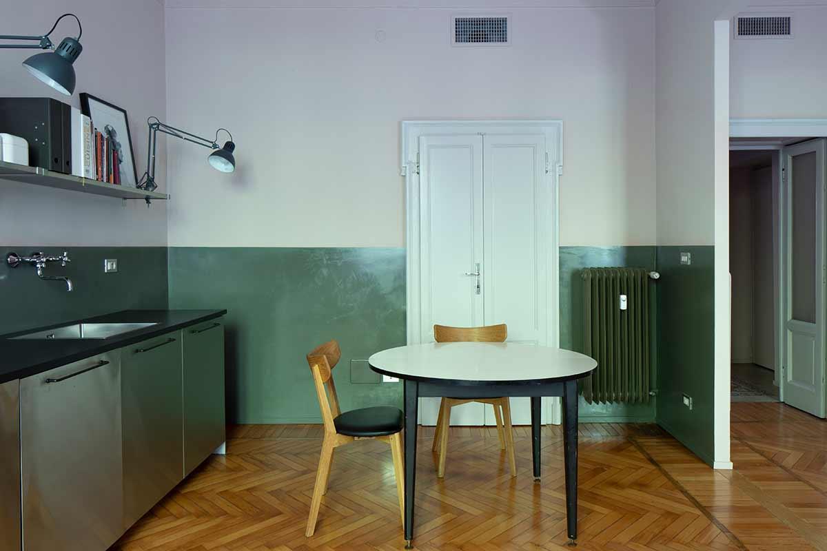 kickoffice-casa da kitchen wood green door stainlesssteel