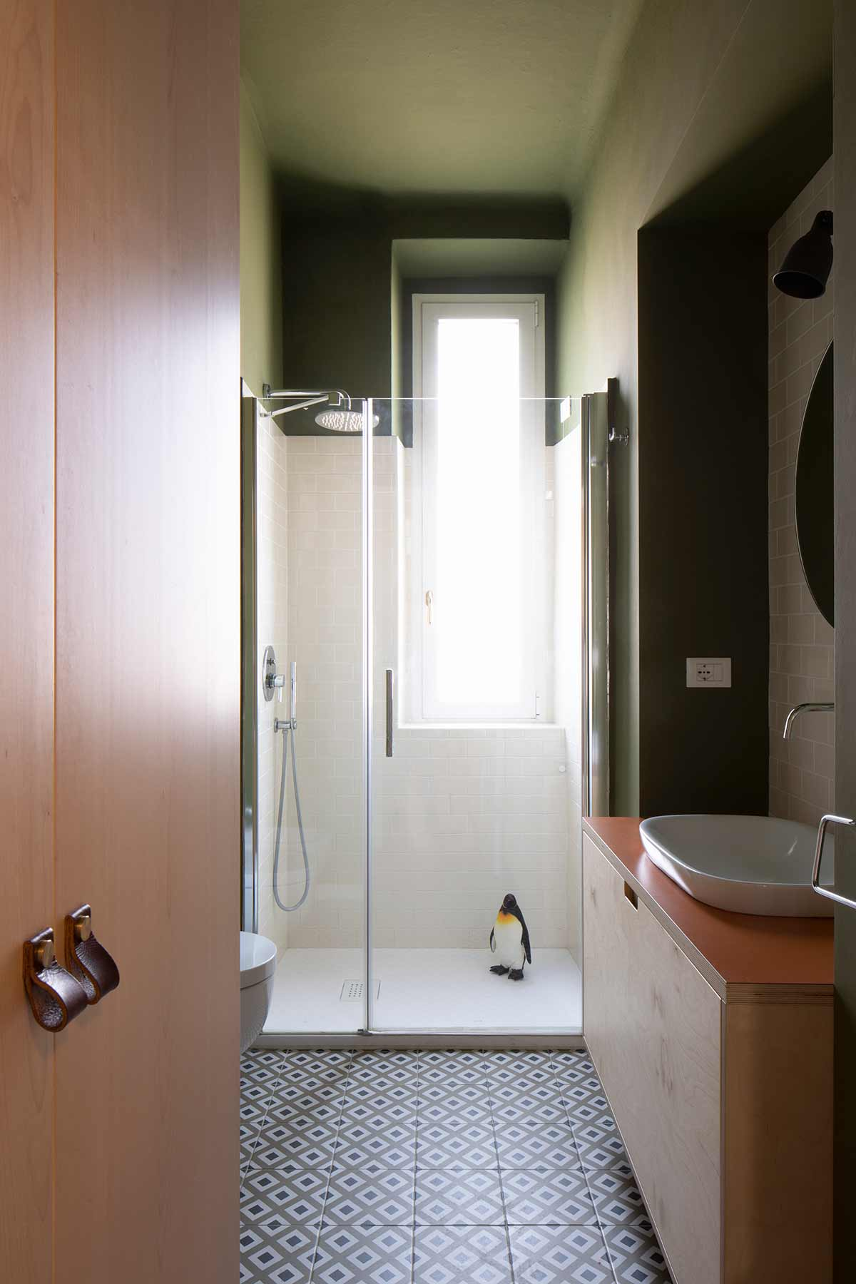 kickoffice casa dgp bathroom green shower light window