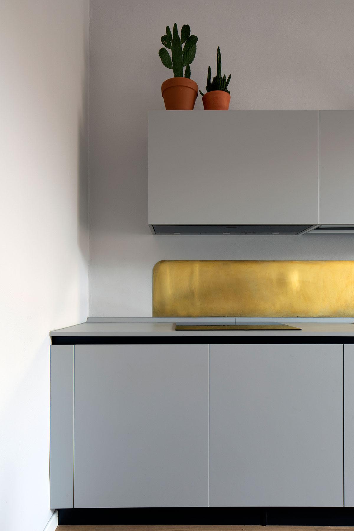 kickoffice casa dgp kitchen brass grey