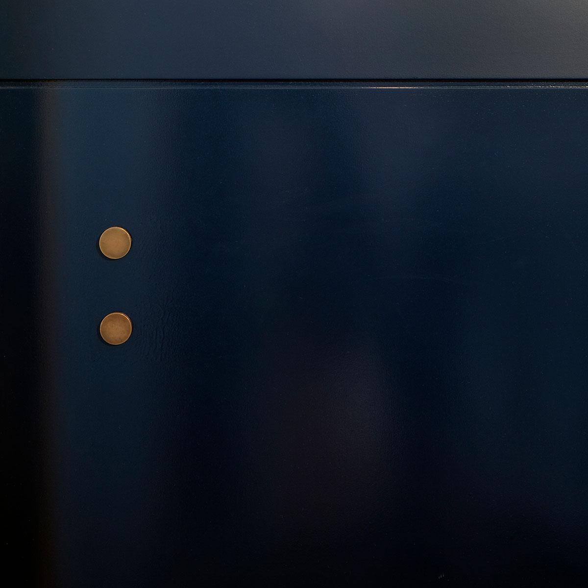 kickoffice casa dgr detail boiserie brass blue