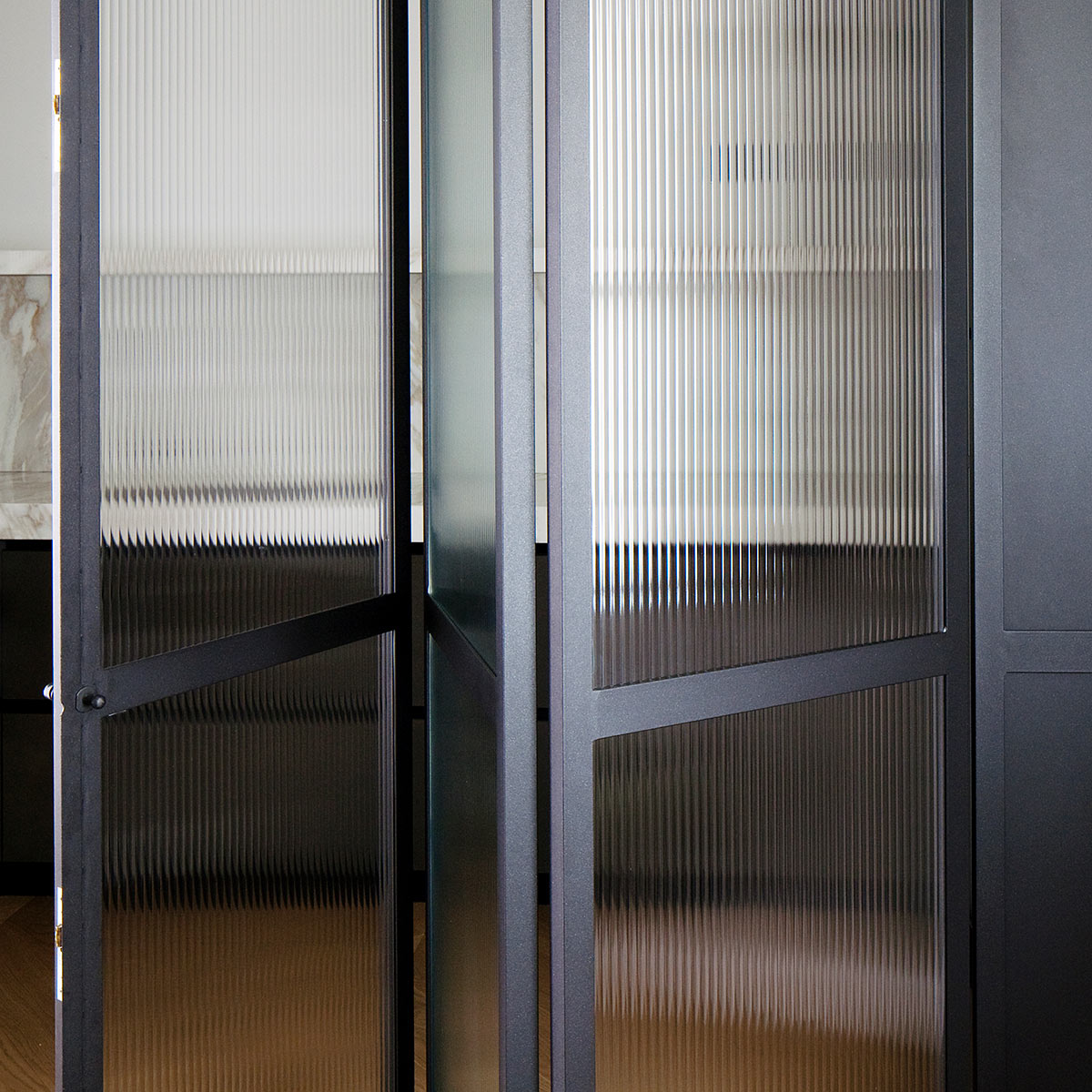 kickoffice casa dgr detail kitchen ribbed glass steel door opening