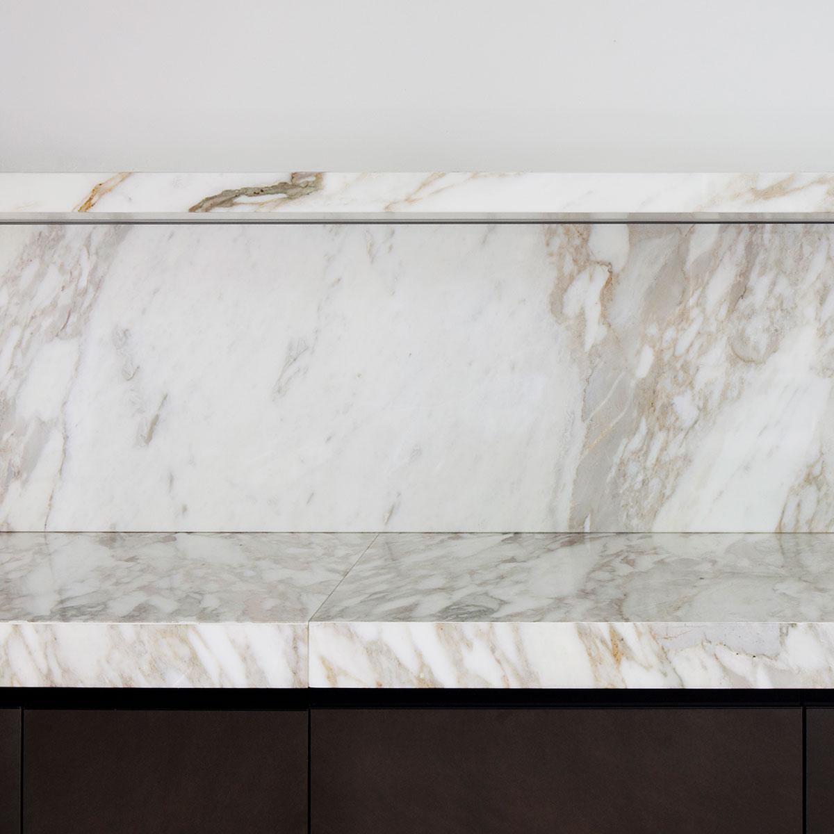 kickoffice casa dgr kitchen valcucine gaggenau spotti marble calacatta detail