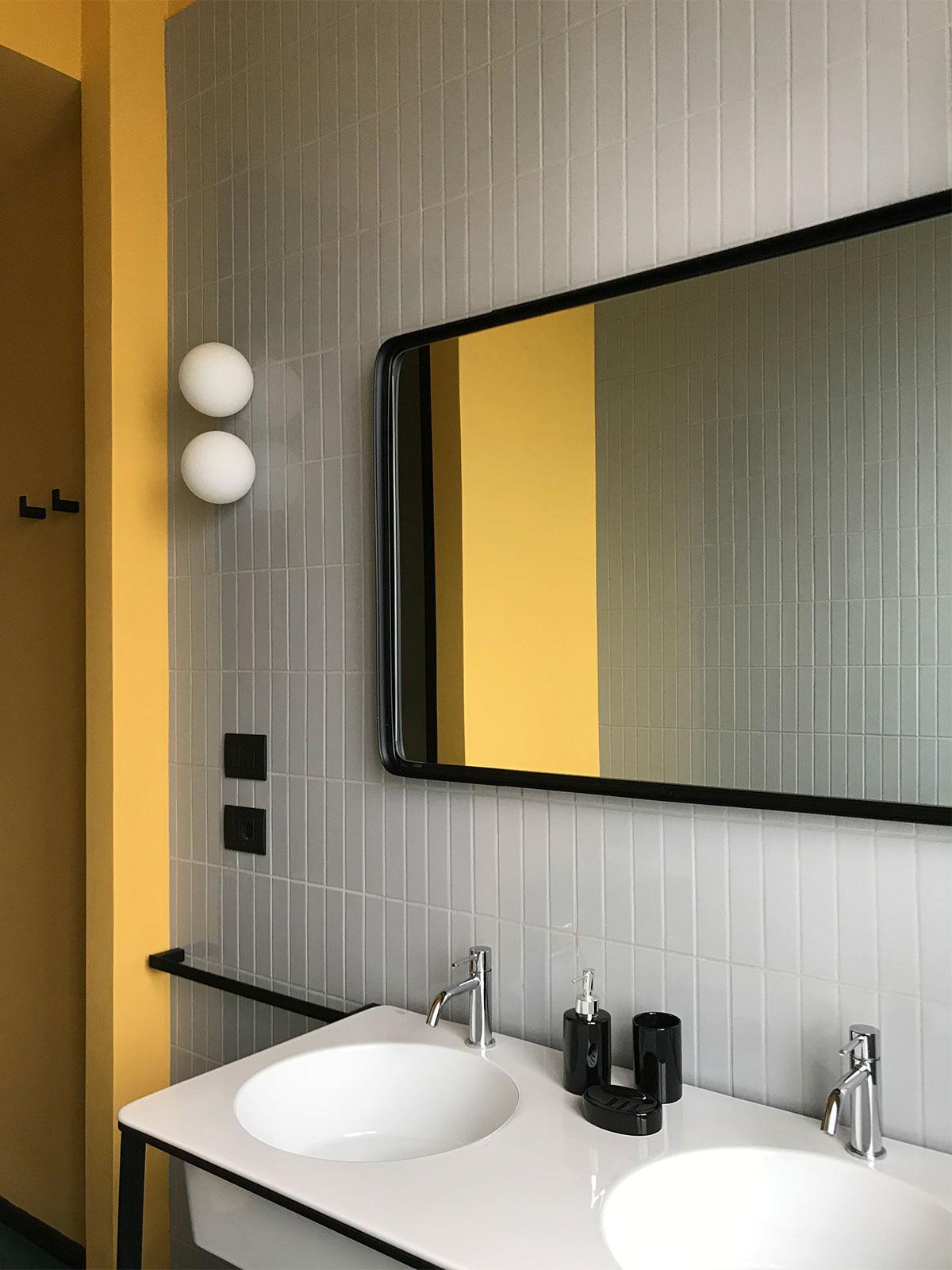 kickoffice casa ff2 bathroom tiles mirror lamp ceramicavogue cielo artemide