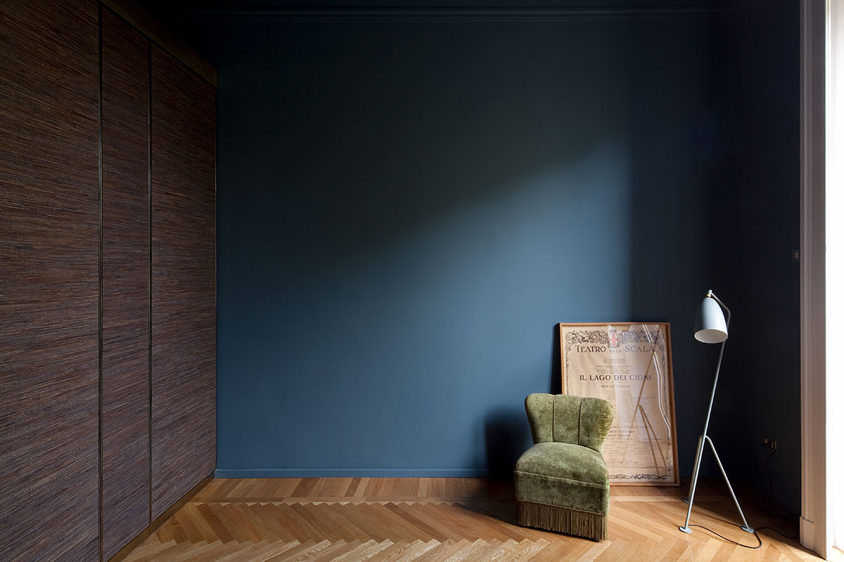 kickoffice casa n bedroom brass wordrobe blue chair