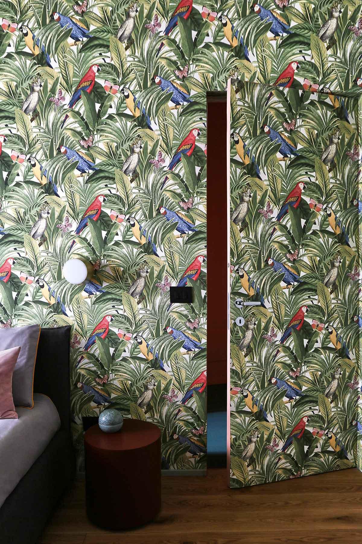 kickoffice casa ff2 wallpaper door bedroom