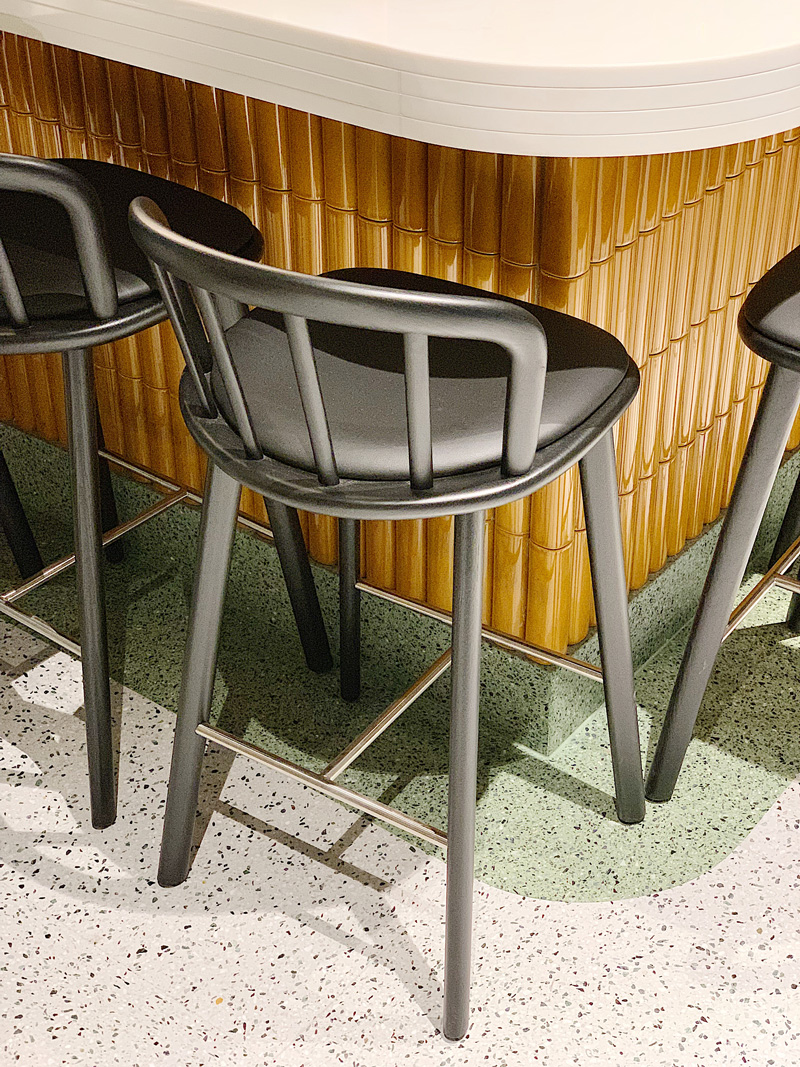kickoffice opencolonna restaurant counter tiles kaufmannkeramik pedrali