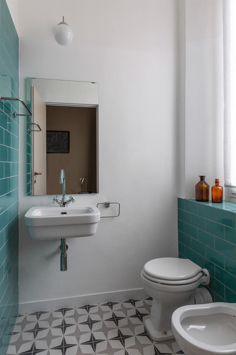 kickoffice settembrini rooms private bathroom tiles turquoise