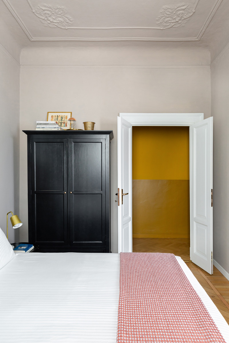 kickoffice settembrini rooms bedroom door corridor yellow