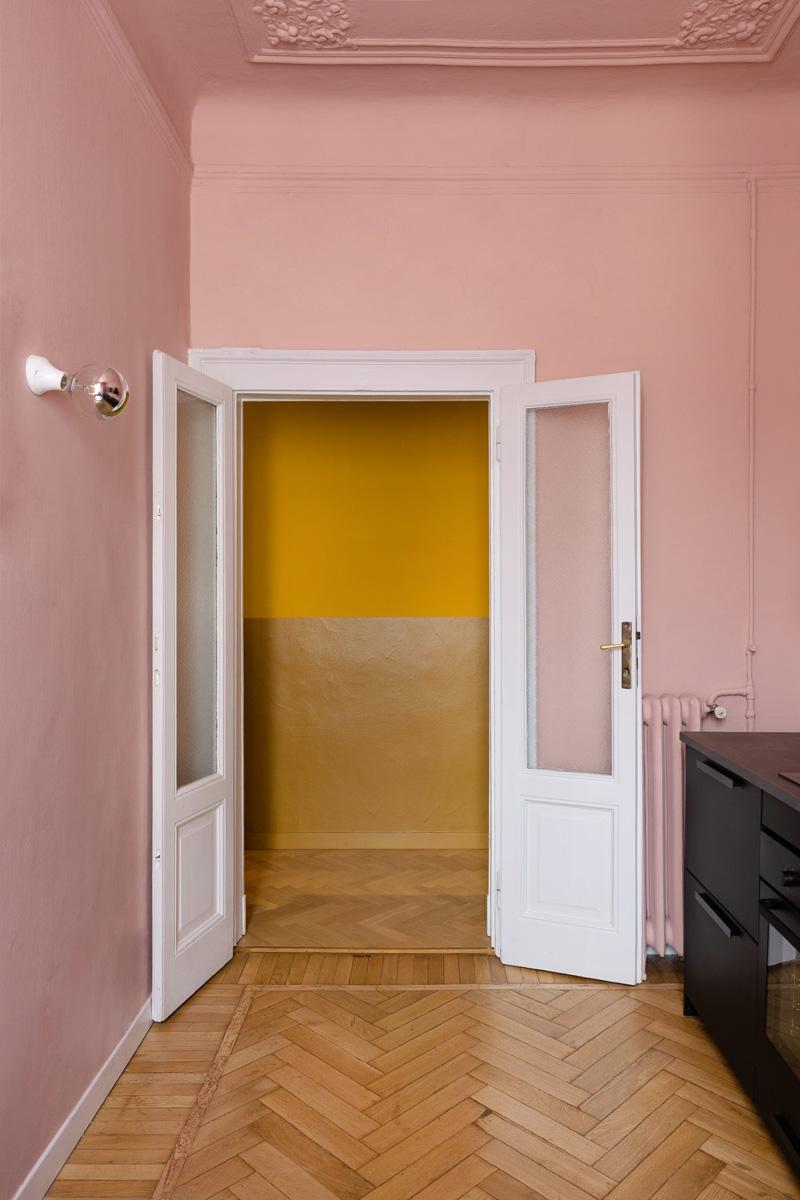 kickoffice settembrini rooms kitchen pink corridor yellow door