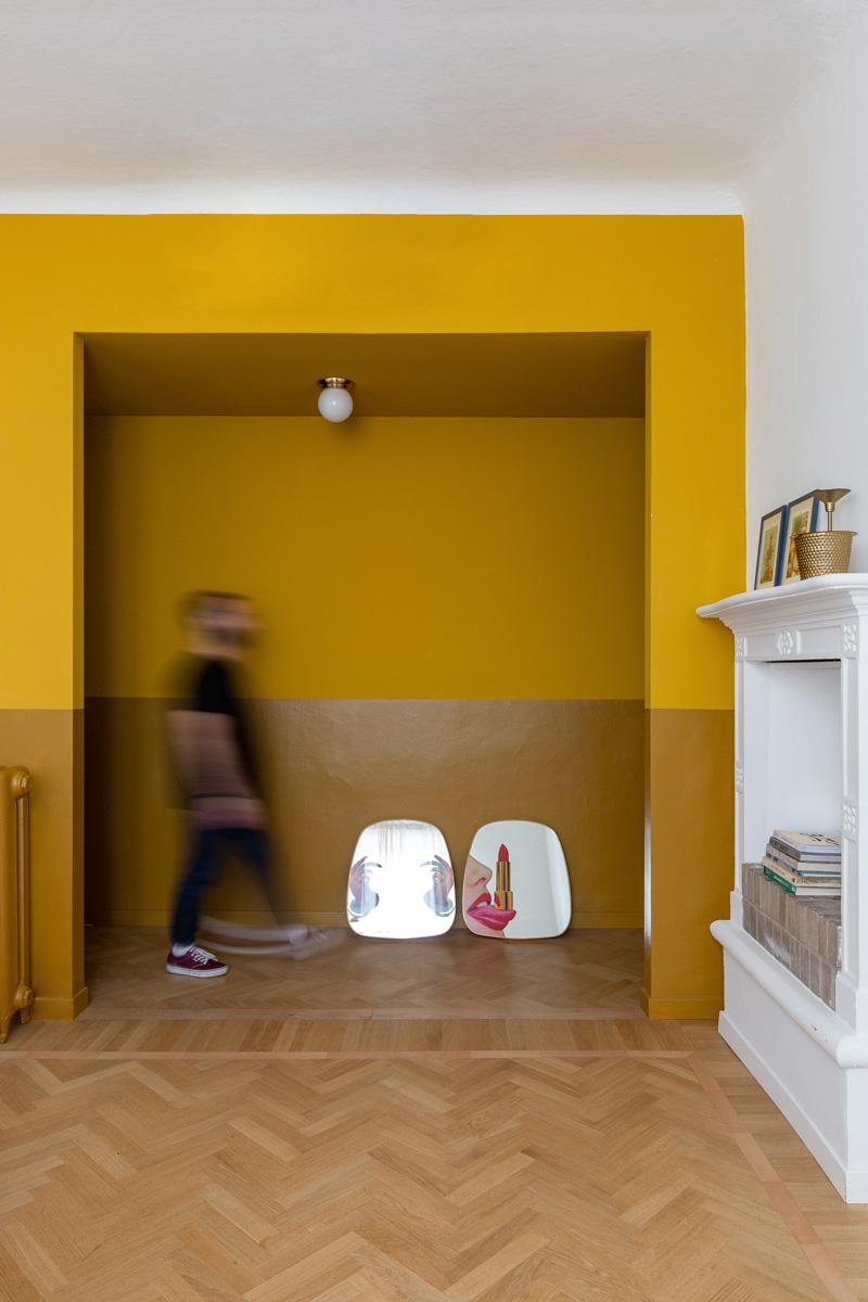 kickoffice settembrini rooms livingroom corridor hallway color yellow seletti fireplace