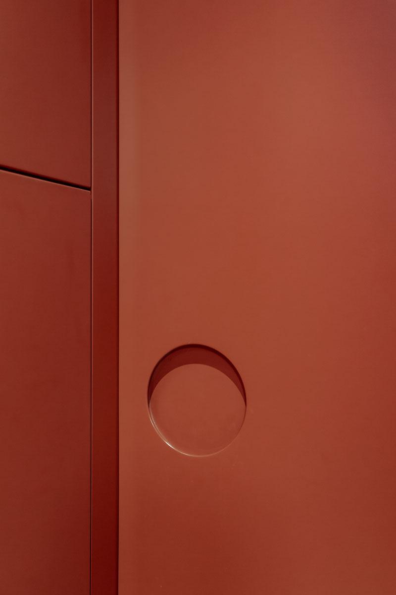 kickoffice casa cb hallway bespoke forniture door opening orange detail