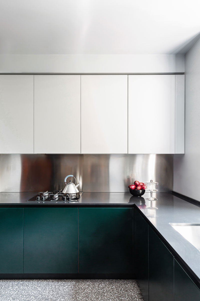 kickoffice casa cb livingroom kitchen white veneta venetacucine