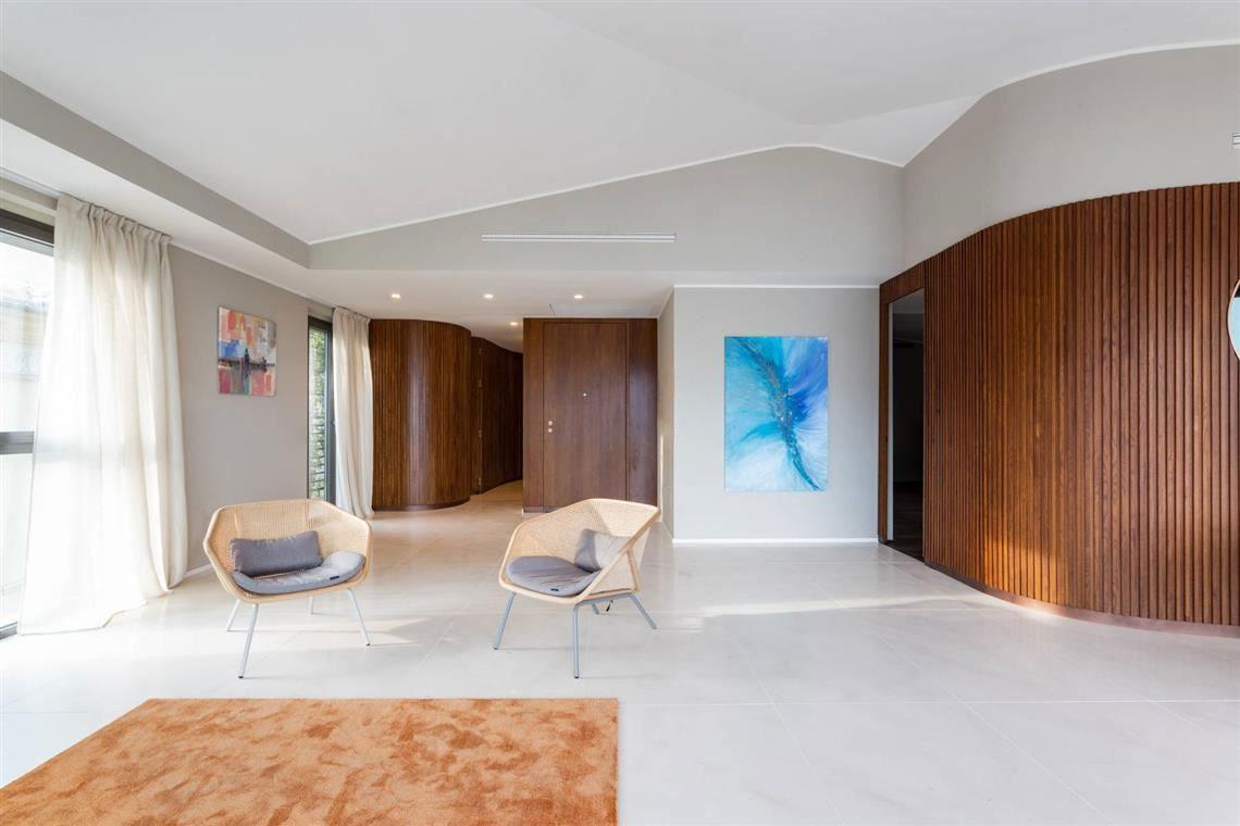 kickoffice casa t kitchen livingroom wood boiserie hallway