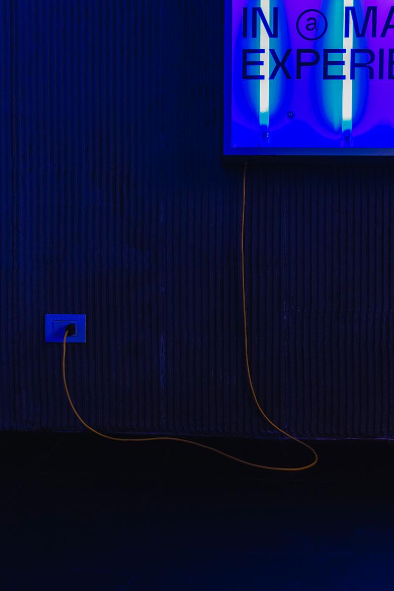 halle kickoffice neon blue light